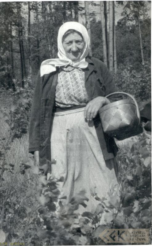 Emīlija Celmiņa Lielvārdē, 1950. g.