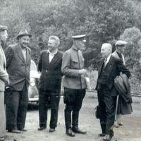 Ekspedīcijas dalībnieku grupa Līgatnes papīrfabrikā