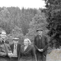 Teicēji Bultes ģimene un ekspedīcijas dalībnieks Pēteris Birkerts