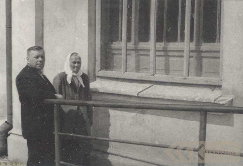 Profesors Jānis Alberts Jansons un teicēja Lība Staņķe