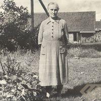 Folk narrator Erna Silaraupe