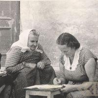 Folkloriste Alma Ancelāne un teicēja Late Vilciņa