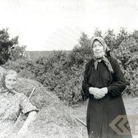 Teicējas Broņislava Ignotāne un Vēra Kokina