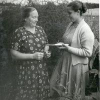 Teicēja Staņislava Kučinska un studente E.Knikste
