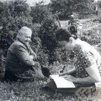 Teicēja Līne Eltermane un ekspedīcijas dalībniece Karmena Banga
