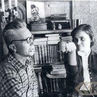 Teicējs Žanis Ābele un folkloriste Anita Stelle
