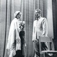 Dzied teicēji Līna Kuģe un Žanis Ābele