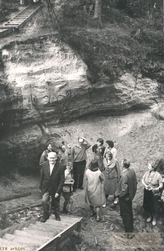 Ekspedīcijas dalībnieki un viesi Salacas upes krastos