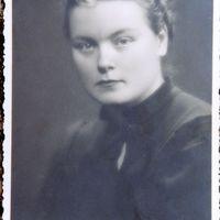 Helēna Ozolzīle jaunībā