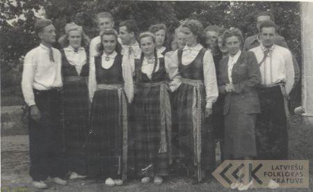 Zasa village dance group