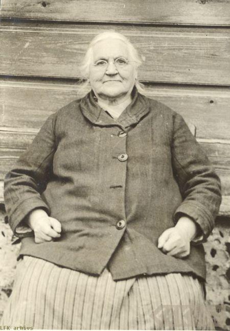 Folk singer Marija Šaltjāre