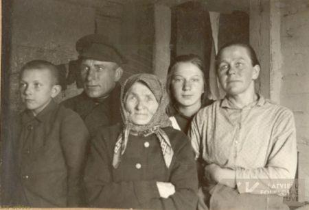 Akmentiņu ģimene