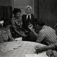 Ekspedīcijas dalībnieki Karmena Banga, Laimdots Ceplītis, Jānis Rozenbergs un teicējas Minna Cēbere, Anna Deruma