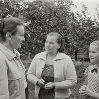 Ekspedīcijas dalībniece Karmena Banga un teicējas Līga Sebre, Vilma Sebre