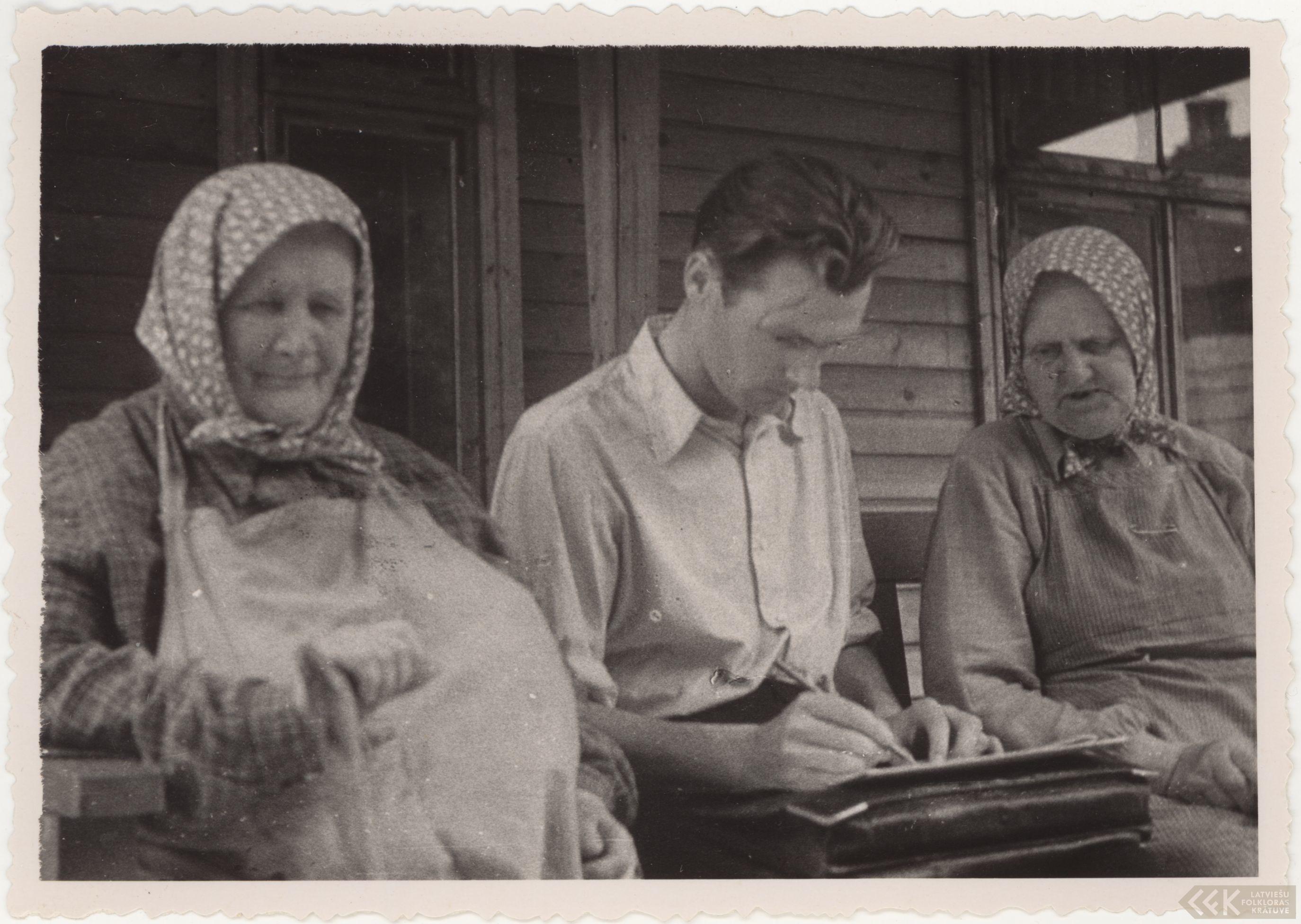 Teicējas Līze Saule, Ieva Elerte un kompnists Aldonis Kalniņš