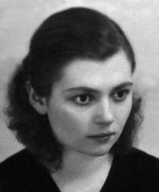 Elza Ķezbere