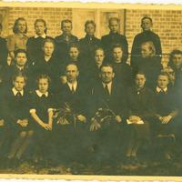 Mirga Iveta Kuļikvoska ar saviem skolas biedriem