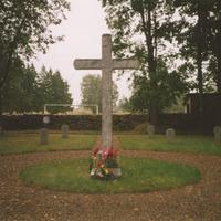 Krusts Džūkstes kapos
