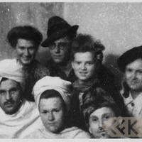 Jēkabs Ziedars ar studiju biedriem