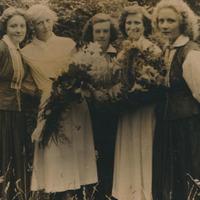Silvija Priedniece ar Līvbērzes kluba pašdarbības kolektīvu