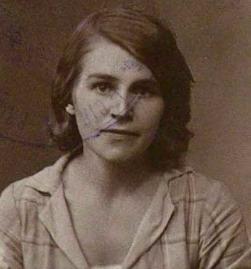 Olgas Frankevicas–Ļūļas (dz. Paegle) pagaidu personības apliecības fotogrāfija