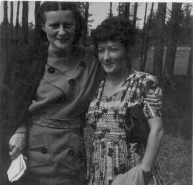 Cecīlija Dinere un Mirdza Ķempe