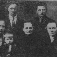 Alfrēds Ziediņš with his relatives