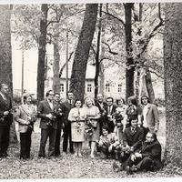 Vitālijs Lozda kopā ar citiem Dzejas dienās Valkas rajonā