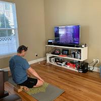Jānis Bergs jogas nodarbībā