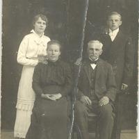 Family of Dāvis and Anna Irbīte