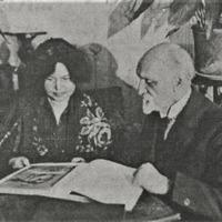 Aspazija un Rainis savā dzīvoklī 1927. gadā